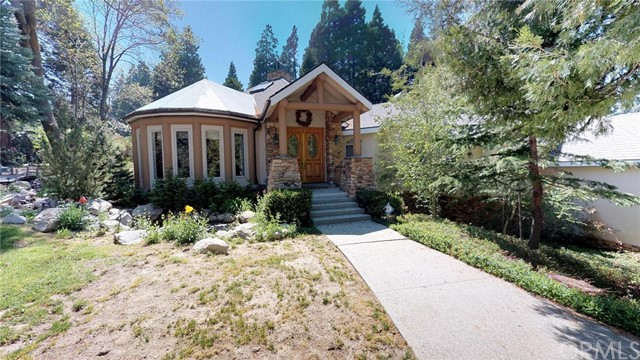 453 Cedar Ridge Drive, Lake Arrowhead, CA 92352