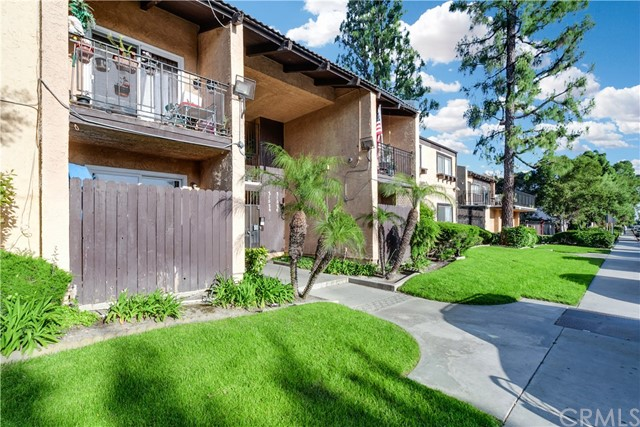 21522 Belshire Avenue 8, Hawaiian Gardens, CA 90716