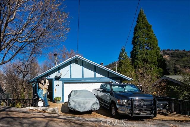 622 Arth Drive, Crestline, CA 92325