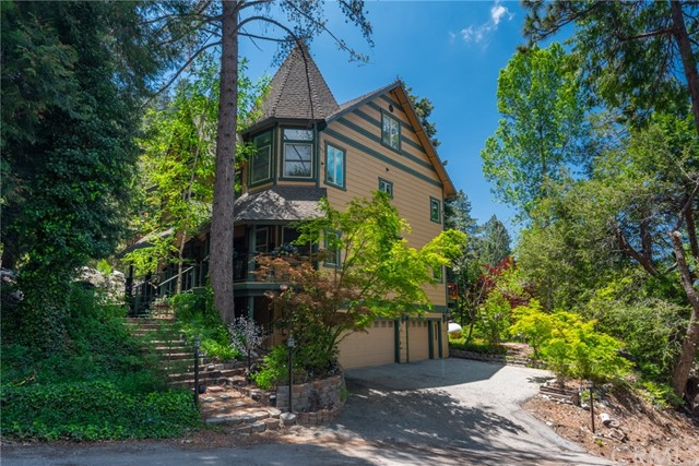 Photo of 9511 Rock Drive, Forest Falls, CA 92339