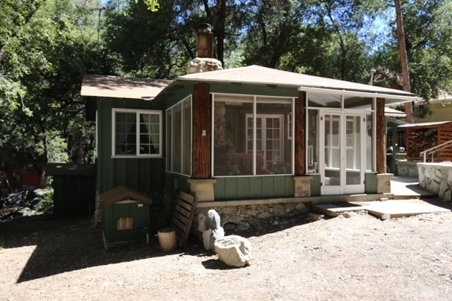 9201 Corral Road, Forest Falls, CA 92339