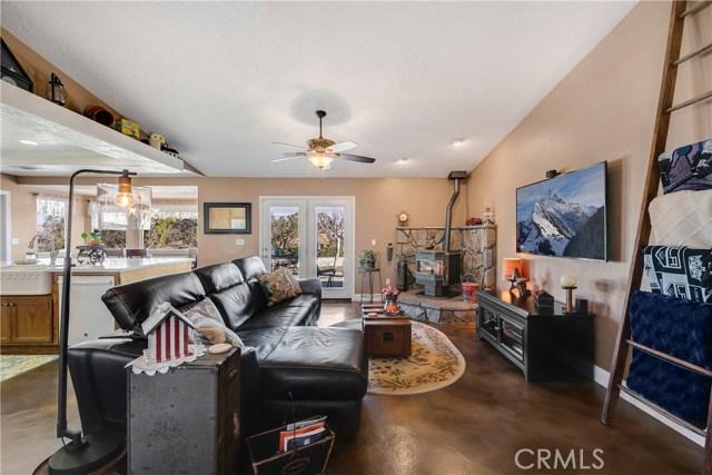 10260 Whitehaven St, Oak Hills, CA 92344 Photo 14