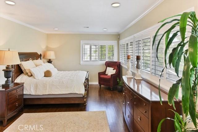 42. 566 W 11th Street Claremont, CA 91711