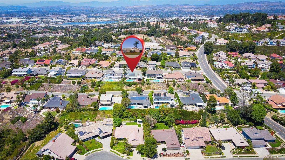 31. 2940 E Echo Hill Way Orange, CA 92867