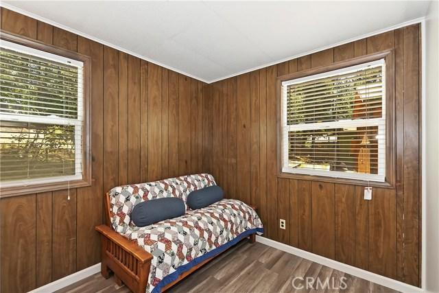 33024 Arrowbear Dr, Arrowbear, CA 92382 Photo 10