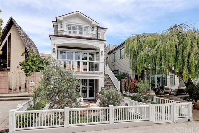 412 8th Street, Manhattan Beach, California 90266, 5 Bedrooms Bedrooms, ,6 BathroomsBathrooms,For Sale,8th,SB20144839