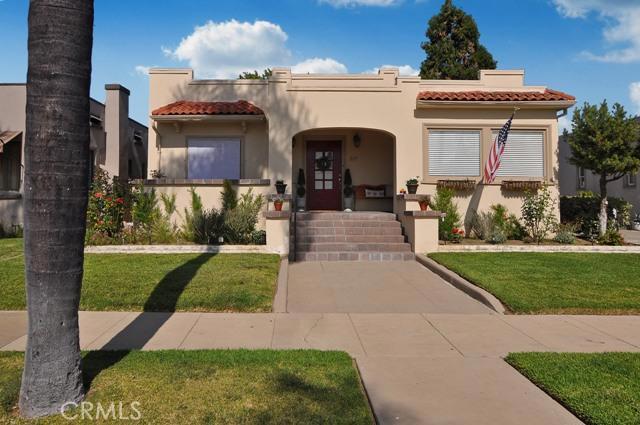 229 Pine Street, Orange, California 92866, 3 Bedrooms Bedrooms, ,1 BathroomBathrooms,For Sale,Pine,PW13106541