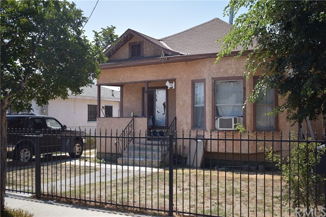1722 E 63rd Street, Los Angeles, CA 90001