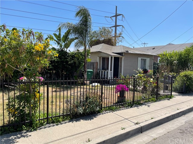 212 E Adams Street, Santa Ana, CA 92707