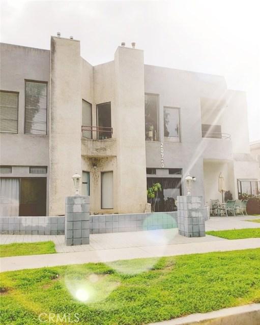20920 Community Street 2, Canoga Park, CA 91304