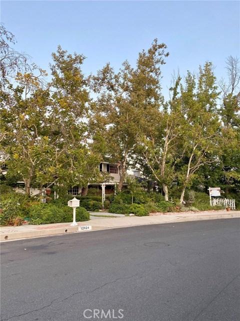 Photo of 12624 Kenny Drive, Granada Hills, CA 91344