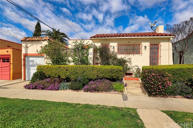 7315 Oakwood Avenue, Los Angeles, CA 90036
