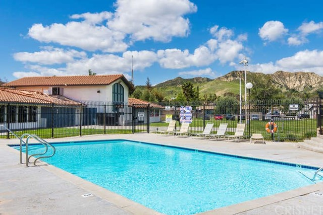 27585 Onyx Ln, Castaic, CA 91384 Photo 13