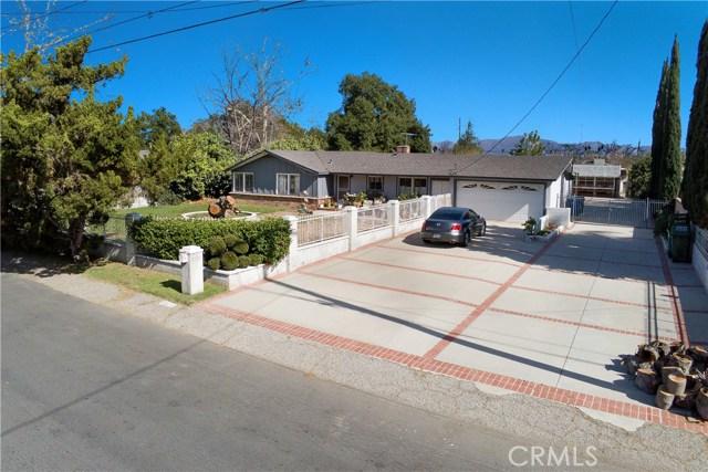 8522 De Celis Place, North Hills, CA 91343