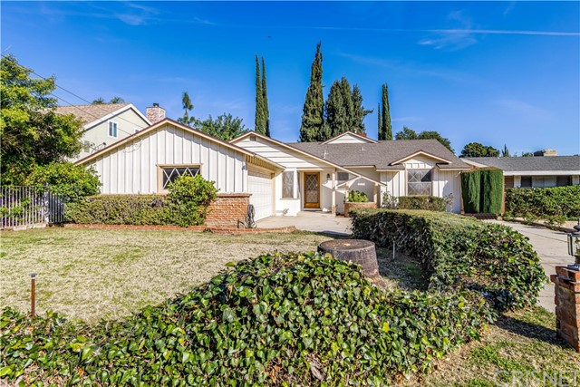 Photo of 10162 Farralone Avenue, Chatsworth, CA 91311