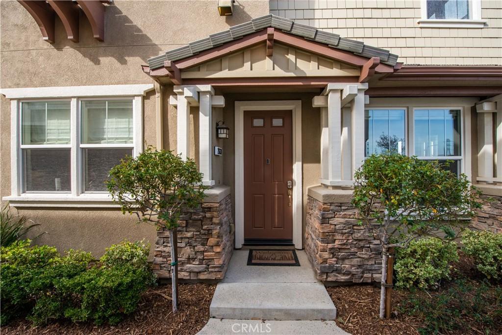 28630     Pietro Drive, Valencia CA 91354