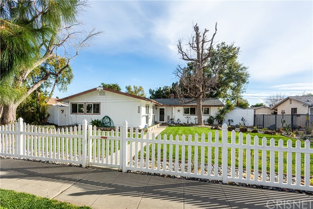 22322 Saticoy St, Canoga Park, CA 91303 Photo