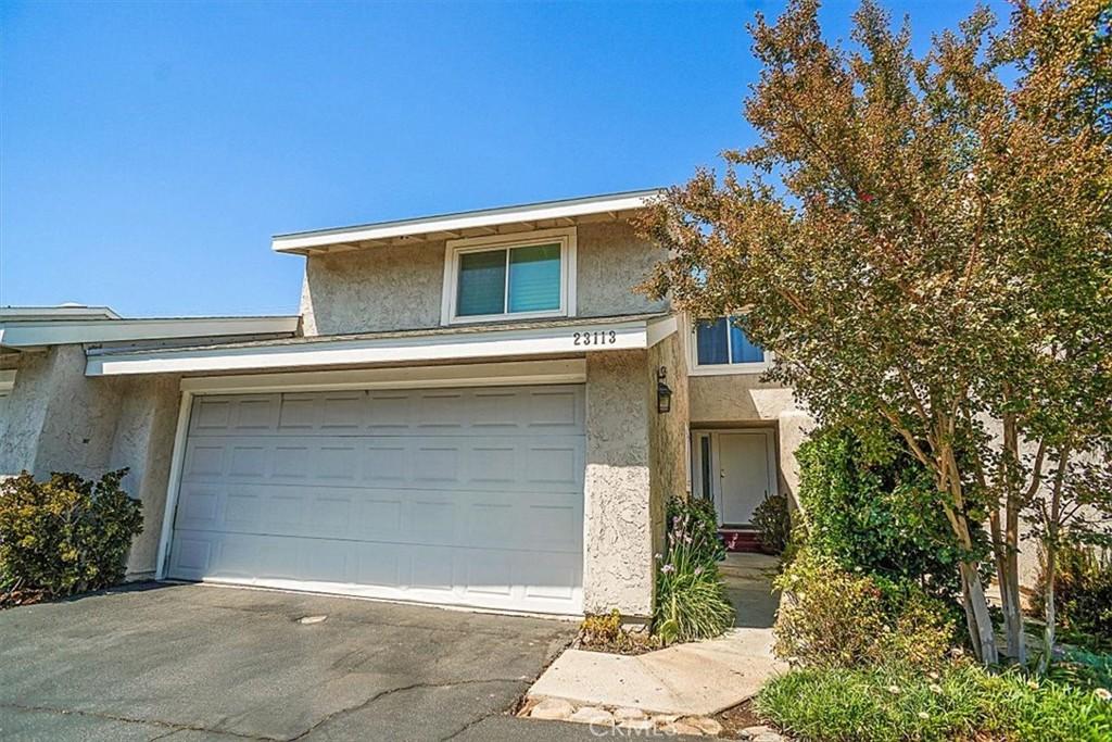 23113     Yvette Lane, Valencia CA 91355