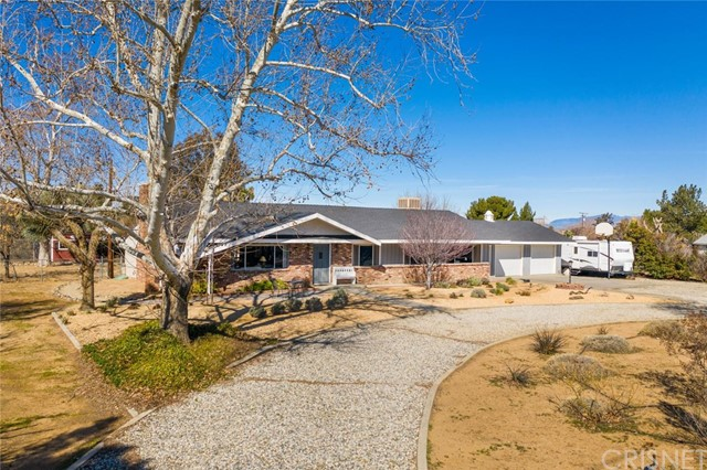 42925 45th Street W, Quartz Hill, CA 93536
