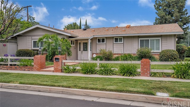 8901 Etiwanda Avenue, Northridge, CA 91325