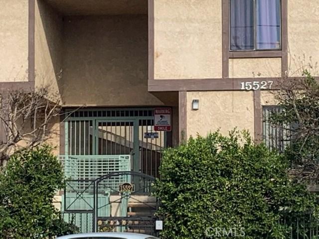 15527 Parthenia Street 15, North Hills, CA 91343