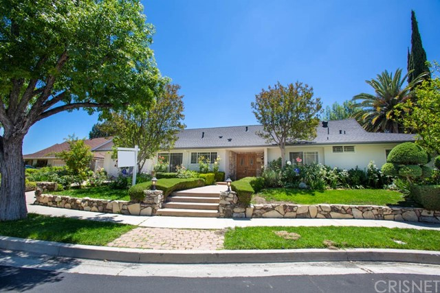 23764 Clarendon Street, Woodland Hills, CA 91367