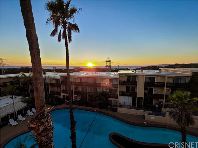 770 Imperial Avenue, El Segundo, California 90245, 2 Bedrooms Bedrooms, ,1 BathroomBathrooms,Condominium,For Sale,Imperial,SR21025794