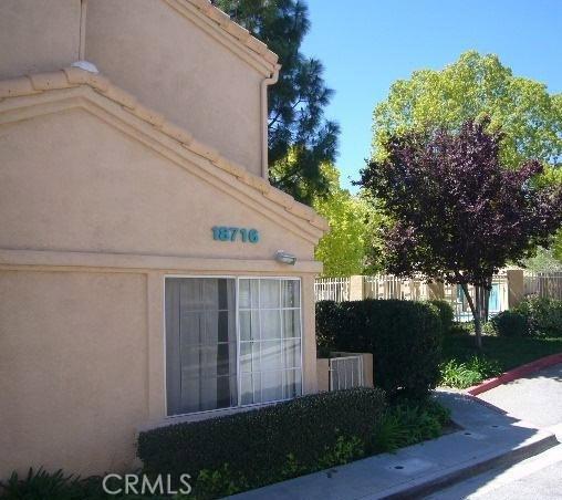 18716 Vista Del Canon B, Newhall, CA 91321