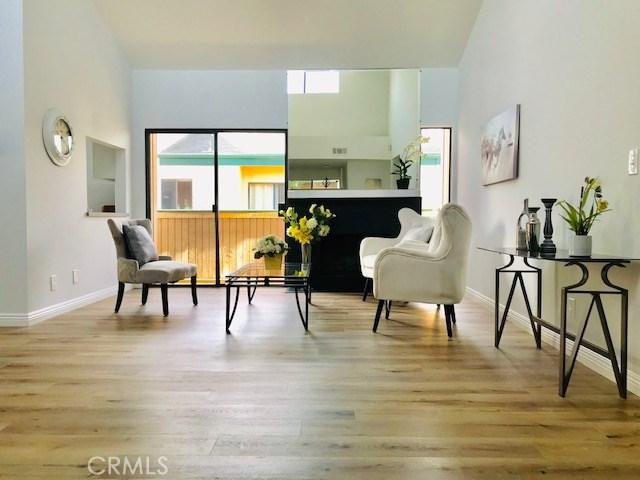 8454 Langdon Avenue 5, North Hills, CA 91343