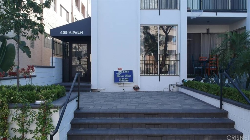 Photo of 435 NORTH PALM DRIVE #202, Beverly Hills, CA 90210