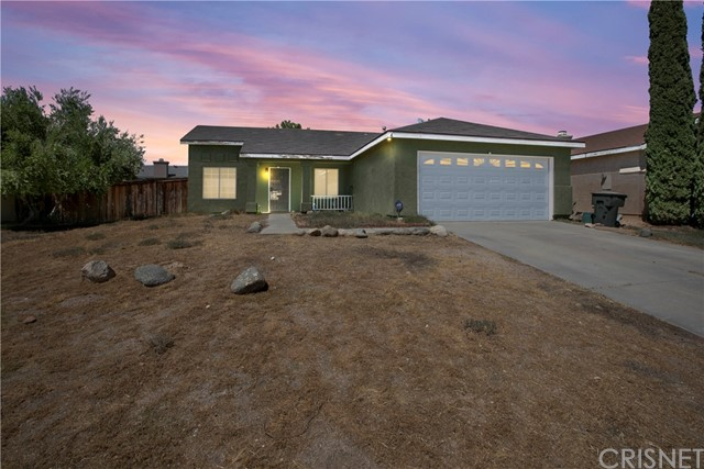 1033 Wedgewood Avenue, Rosamond, CA 93560
