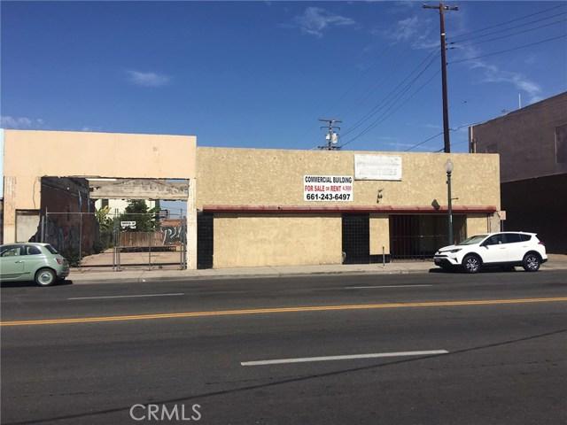 808 Baker Street, Bakersfield, CA 93305