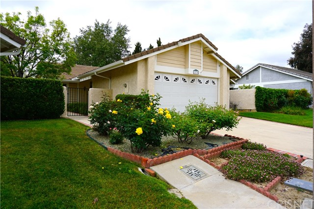 23734 Castilla Ct, Valencia, CA 91355 Photo