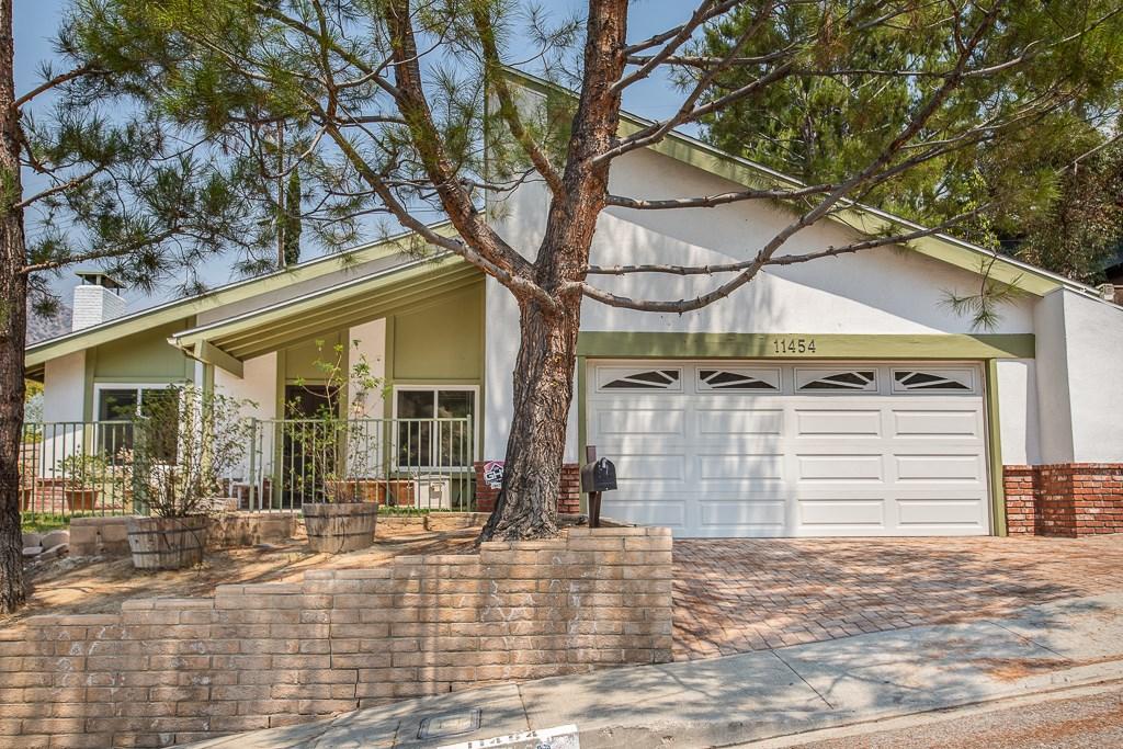 11454 Dellmont Drive, Tujunga, CA 91042