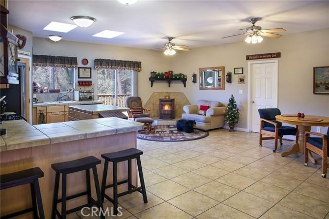 3. 13716 Yellowstone Drive Pine Mountain Club, CA 93225