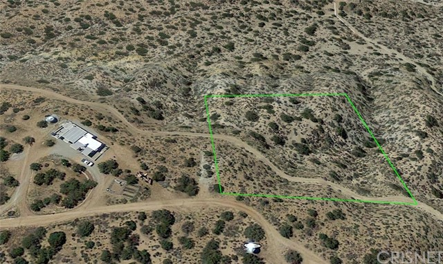 18300 Holcomb Ridge Rd, Llano, CA 93544