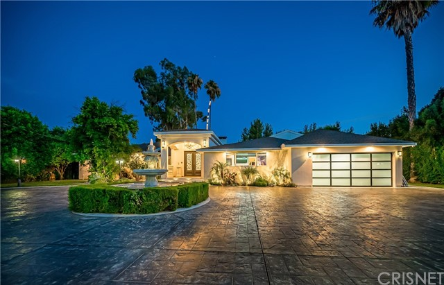 22728 Oxnard Street, Woodland Hills, CA 91367