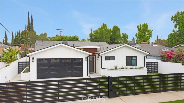 13521 Magnolia Boulevard, Sherman Oaks, CA 91423