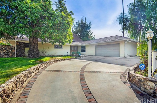 Photo of 16728 Knollwood Drive, Granada Hills, CA 91344