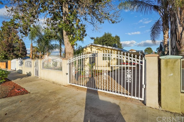 7042 Ethel Avenue, North Hollywood, CA 91605