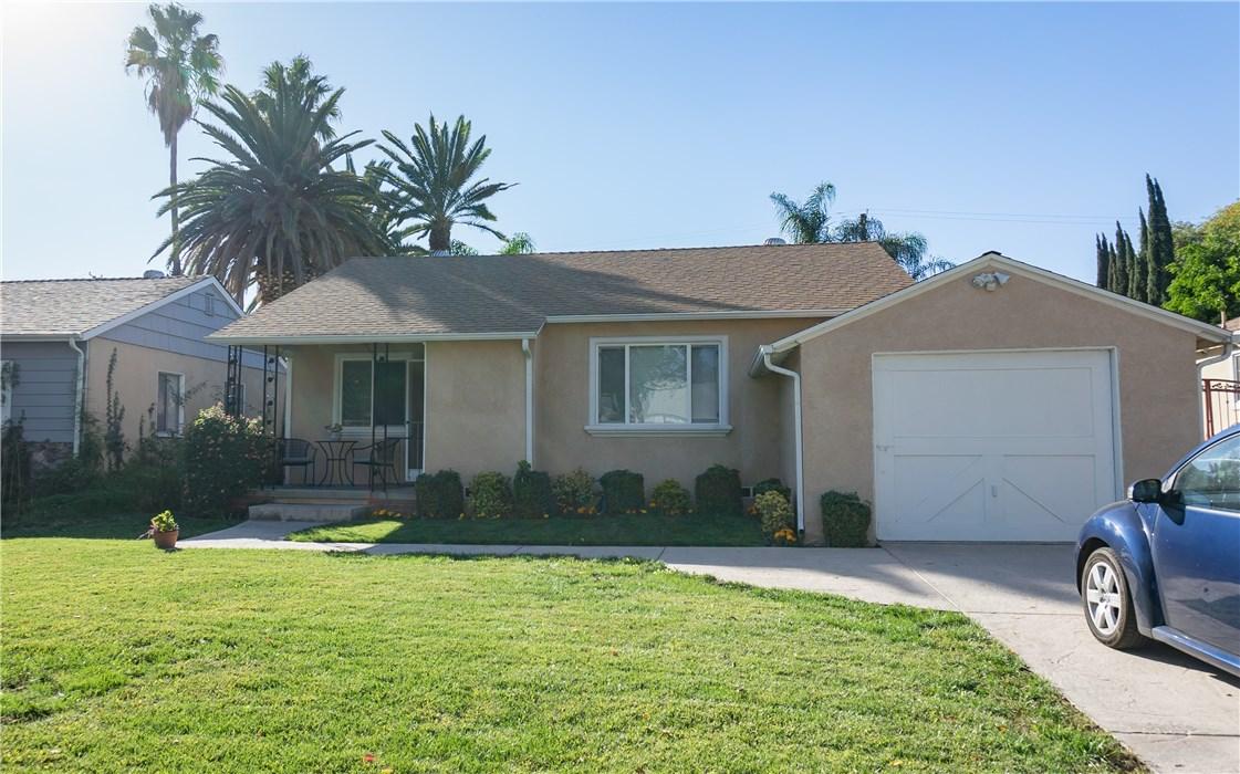 7427 Densmore Avenue, Lake Balboa, CA 91406
