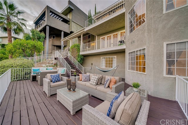 1455 Dwight Drive Glendale, CA 91207