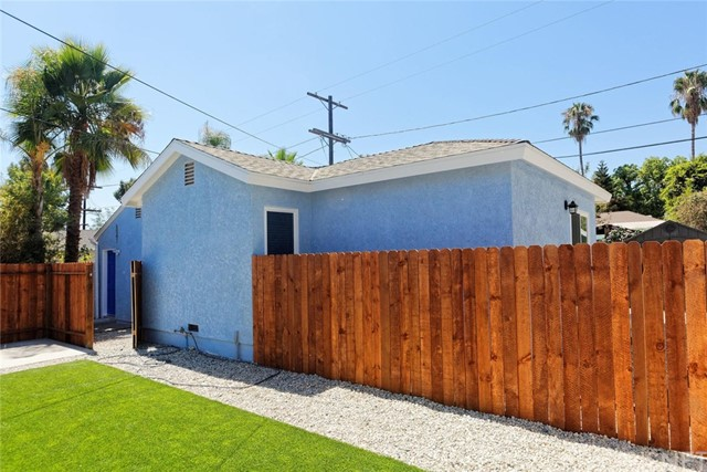 6047 Bluebell Avenue, North Hollywood, CA 91606