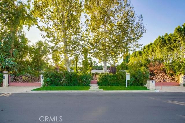 8523 Oak Park Avenue, Sherwood Forest, CA 91325