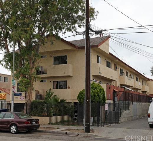 Photo of 7300 Canby Avenue, Reseda, CA 91335