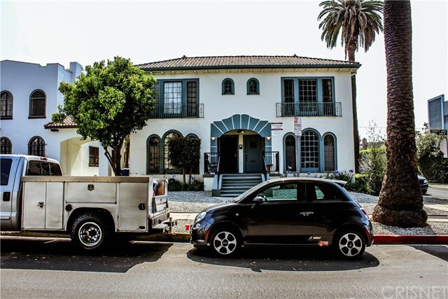 Desirable Beverly Grove fourplex. Corner lot. Adjacent property next door at 1006 N. Croft also for sale for $2,150,000 as well as entire Trust Portfolio of six buildings for $12,820,000 consisting of 1000 & 1006 Croft, 5734 & 5740 Fountain, 1236 S. Cloverdale and 1201 S. La Cienega.
