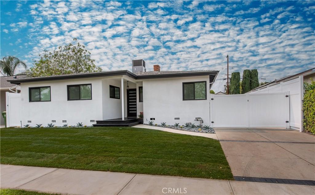 Photo of 6267 Shirley Avenue, Tarzana, CA 91335