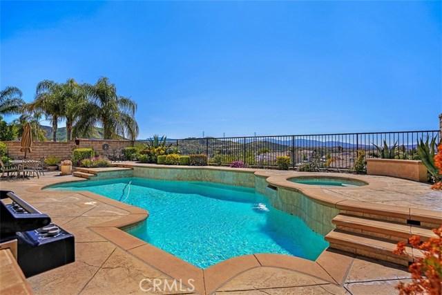 29107 Summer Oak Court, Saugus, CA 91390