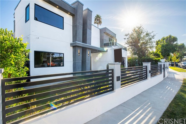 13812 Cumpston, Sherman Oaks, CA 91401