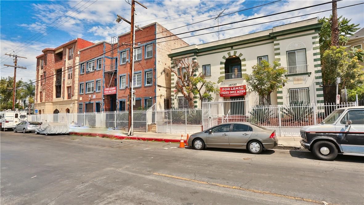 Photo of 2749 San Marino Street, Los Angeles, CA 90006